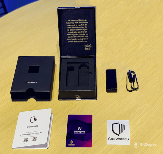 CoolWallet S review: unpacking.