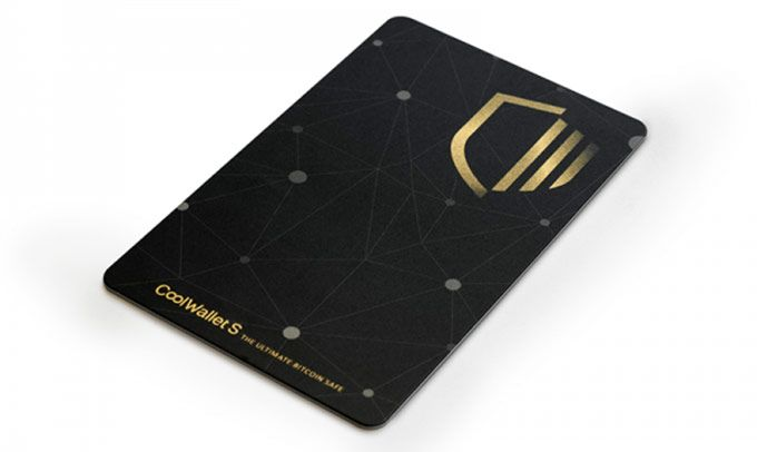 CoolWallet S review: card.